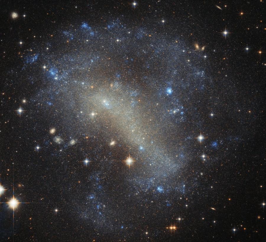 «Хаббл» сфотографировал яркую россыпь галактики IC 4710