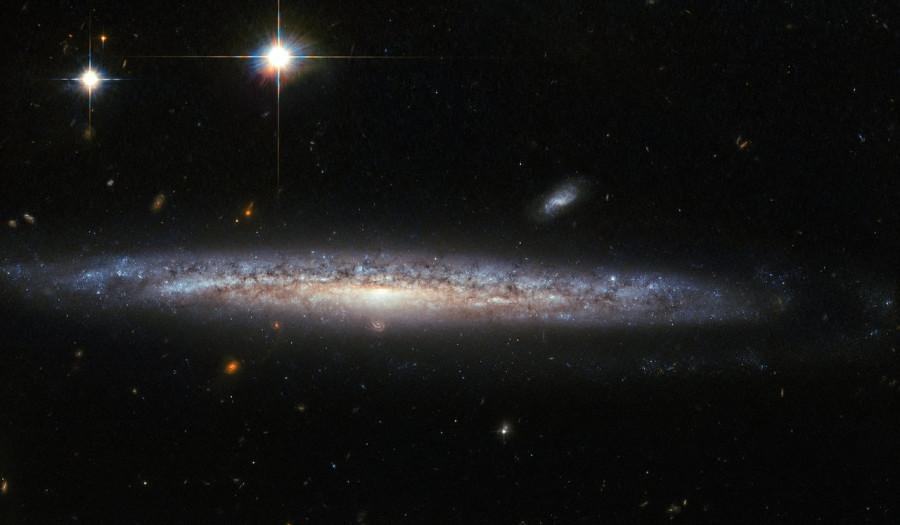 Спиральная галактика NGC 5714