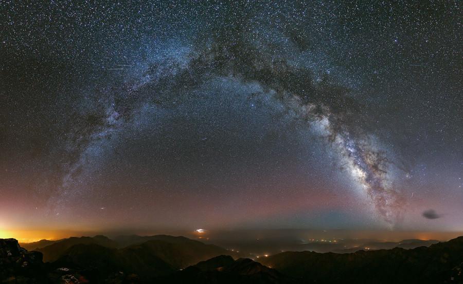 «Хаббл» сфотографировал рекордно далекую звезду
