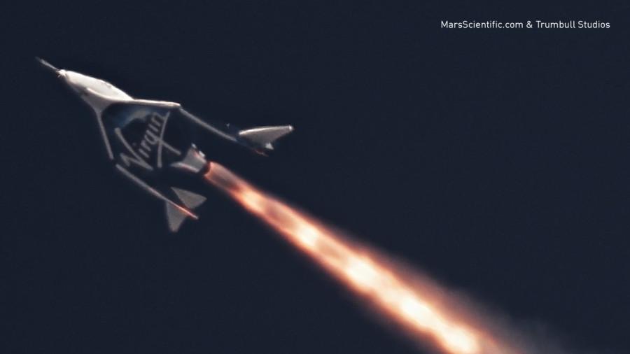 Новый космоплан Virgin Galactic совершил первый полет с включенным двигателем