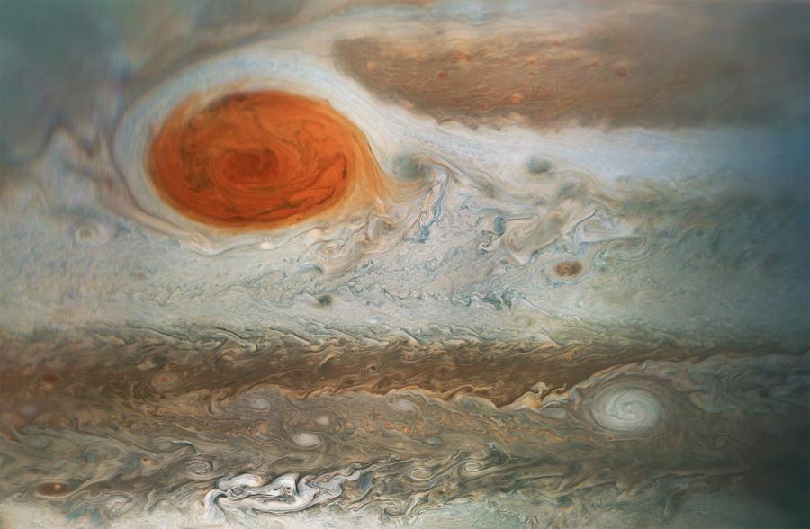 Большое красное пятно, кольца Сатурна и галактика NGC 2655
