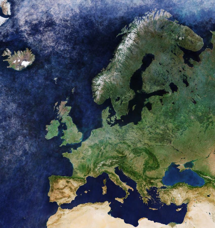 Над всей Европой безоблачное небо