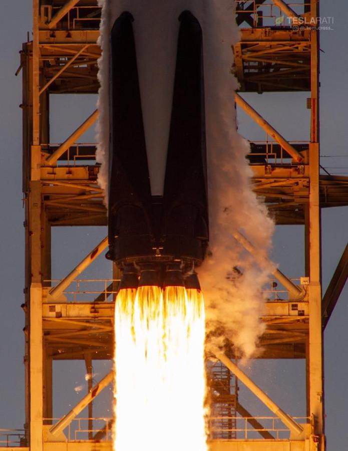 Запуск Falcon 9 Block 5, «замаскировавшаяся» спиральная галактика и Гренландия