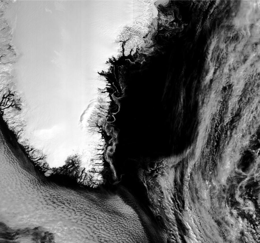 Запуск Falcon 9 Block 5, «замаскировавшаяся» спиральная галактика и Гренландия сделано, изображения, видим, центр, структуру, спиральную, рассмотреть, можем, ребра, поскольку, газопылевые, Однако, галактика, спиральная, классифицируется, также, Млечный, окружающие, расположенные, облака