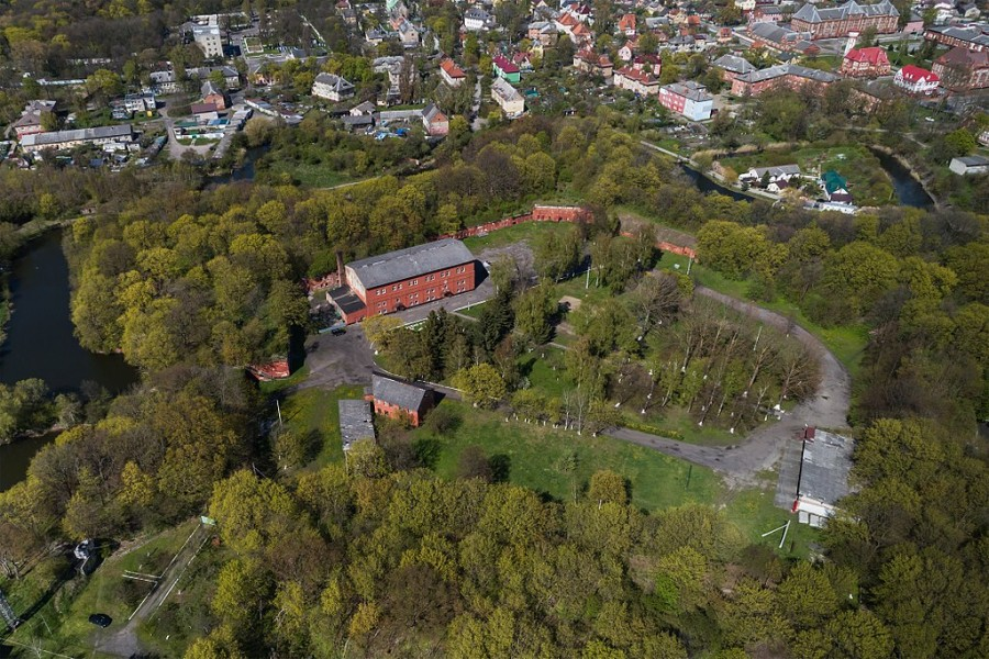 1024px-BaltiyskPillau_05-2017_img09_aerial_photo