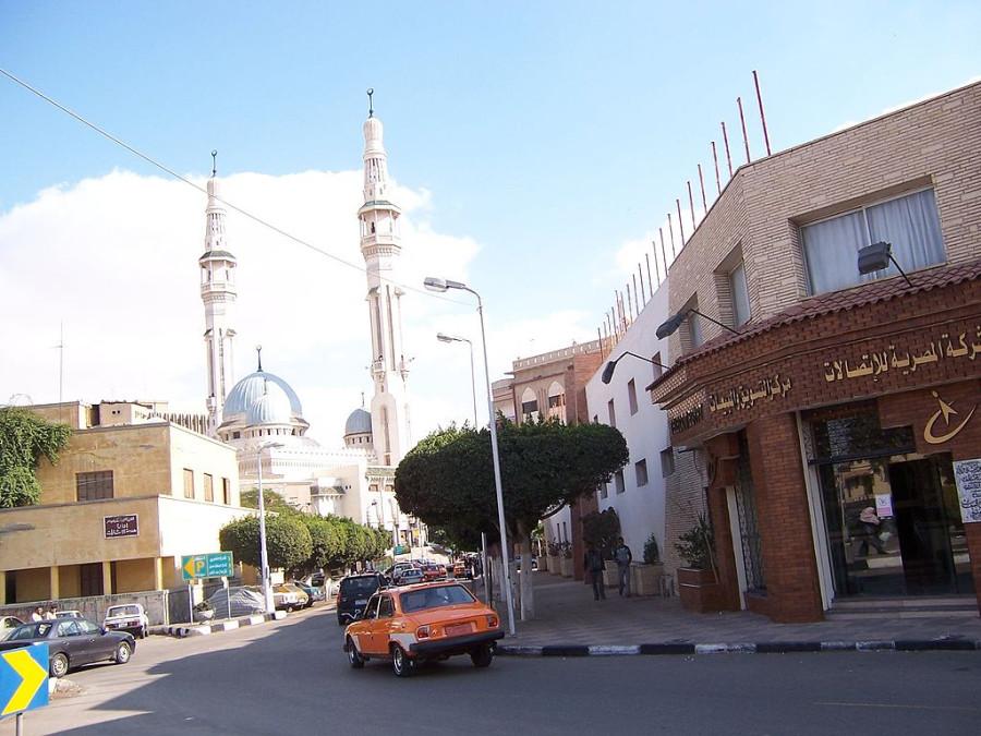1024px-IsmailiaEgypt_byDanielCsorfoly