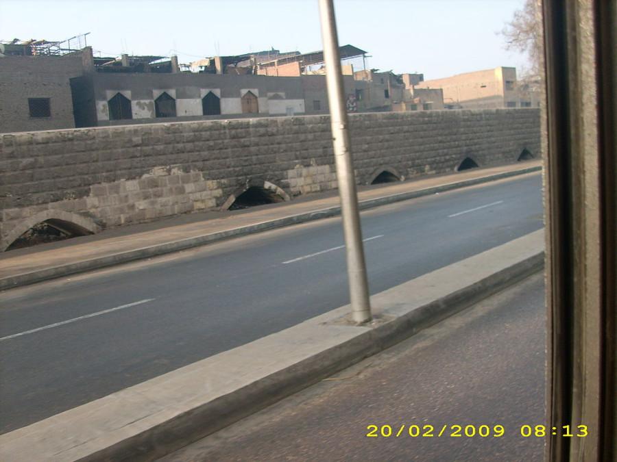 1024px-Citadel_Aqueduct_Cairo3