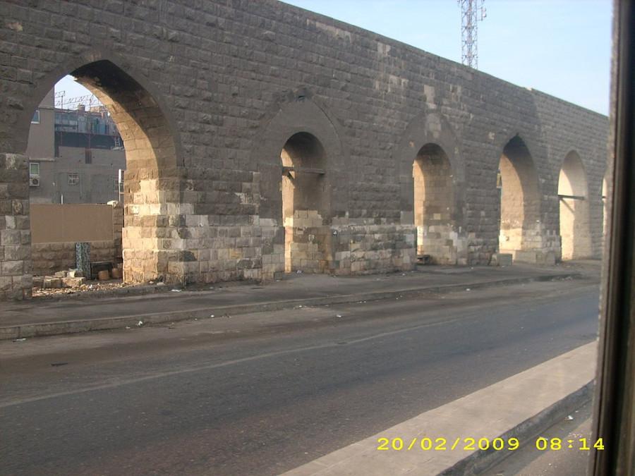 1024px-Citadel_Aqueduct_Cairo5
