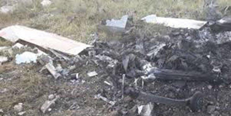 Дымящиеся груды развалин беспилотника тупых пиндосов RQ-4 Goobal Hawk, сбитого доблестными силами ПВО Ирана.