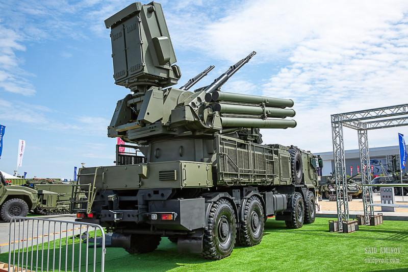 Новый «Панцирь-СМ» на шасси «Торнадо». Всего 12 ракет - и это мало.