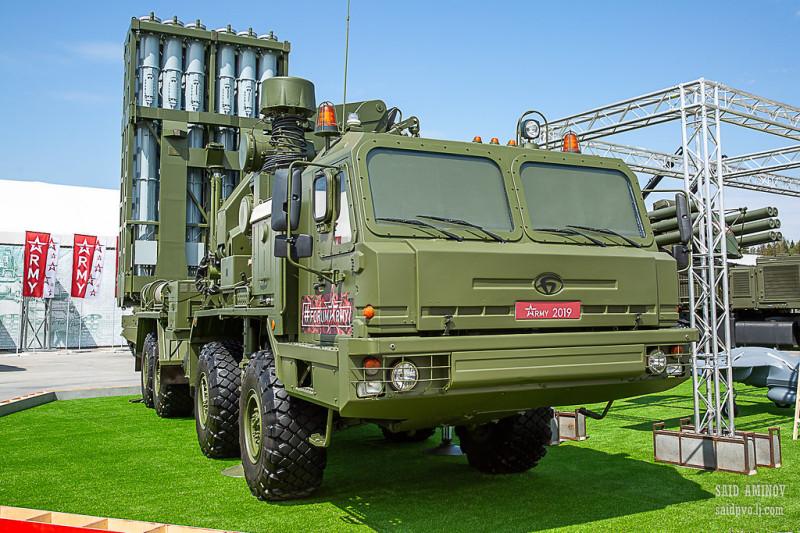 Пусковая установка 5П60Е ЗРК «Витязь» - с 12 ракетами. Столько же, сколько на «Панцире-СМ».