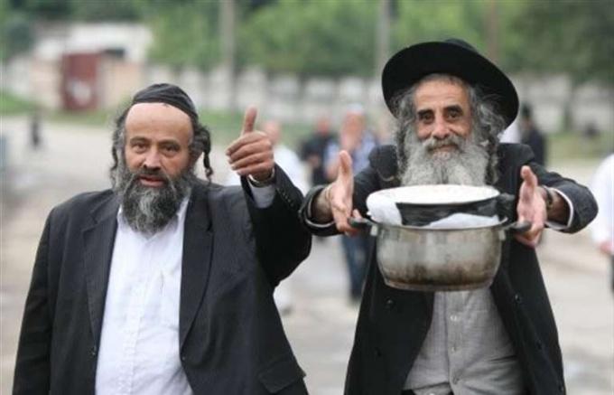 Евреи потчуют мир своим жутким вонючим варевом.