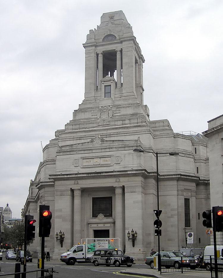 Здание объединенной великой ложи Англии в Лондоне, появившейся в 1717 году.