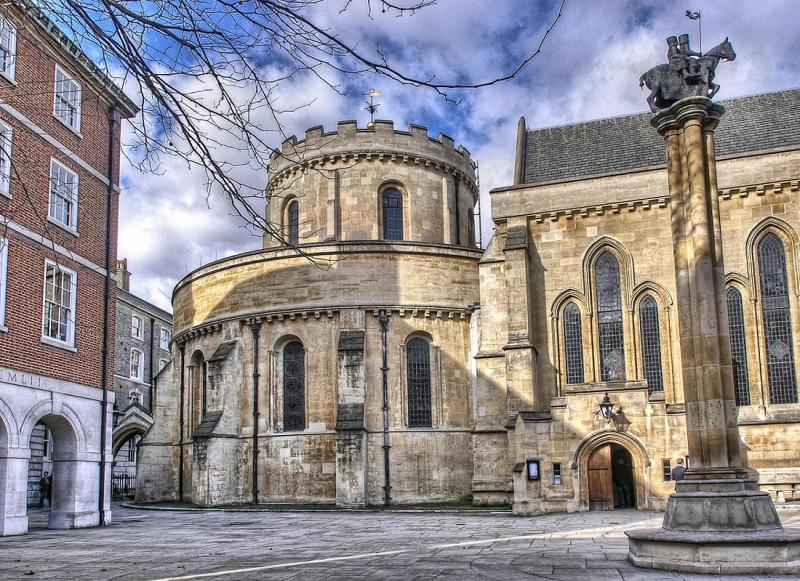 Temple Church - церковь тамплиеров в Лондоне (в районе Темпл), построенная храмовниками в 12 веке.