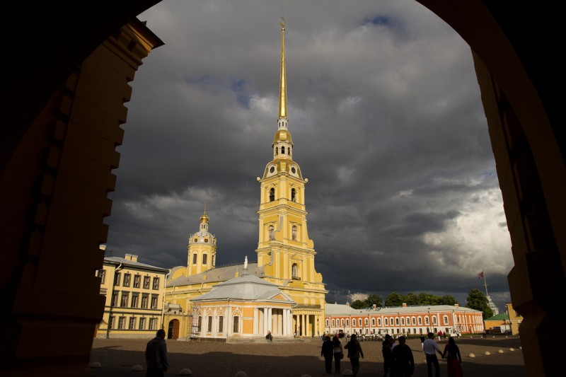Петропавловская крепость в Петербурге. Окно в Европу или окно в русскую цивилизацию?