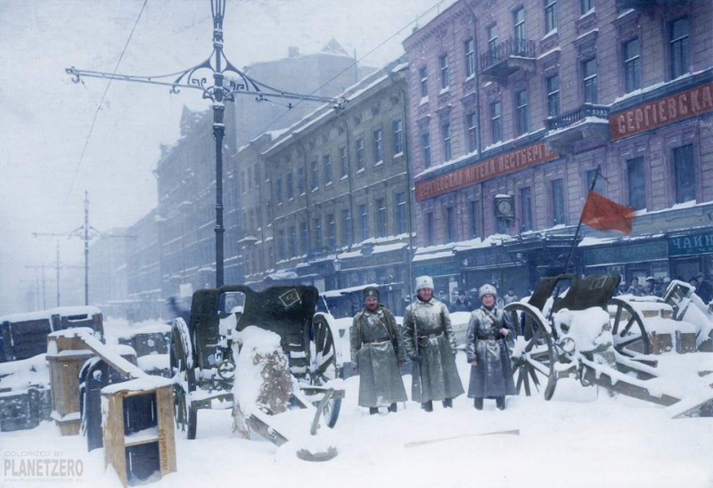 Русская катастрофа. Баррикады на Литейном проспекте в Санкт-Петербурге в феврале 1917 года.