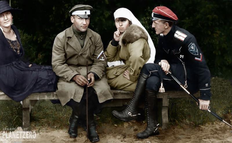 """""""Эх, братишки и сестрички! Как же мы так просрали Россию? И отдали ее в руки какой-то большевицкой и еврейской сволочи?"""""""