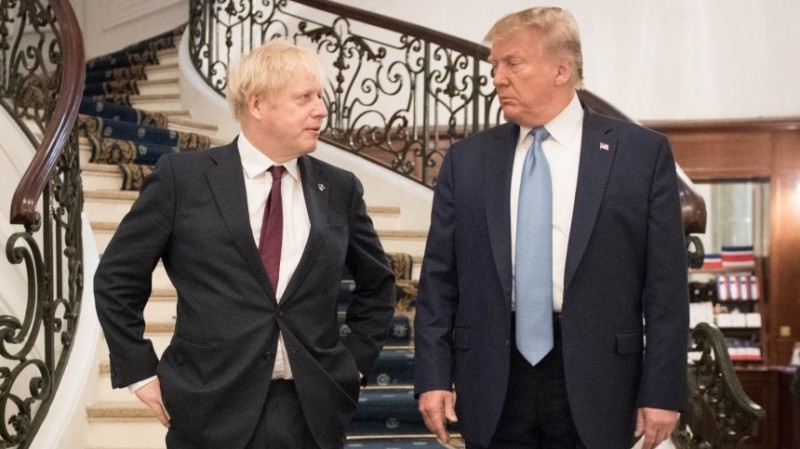 """Эти два бандита очень опасны - опасны для всего мира. У сраных бриташек и у тупых пиндосов есть очень давний обычай - их богатые и влиятельные люди обязательно держат при себе какого-нибудь отморозка с криминальным прошлым, который может решить """"щекотливые вопросы"""". Очевидно, в этой паре Сраная Британия выполняет именно такую роль - отморозка и бандита, решающего """"щекотливые вопросы"""" в интересах богача-Пиндостана там, где богачу нужно """"сохранить свое лицо"""" или видимость """"непричастности"""" к событиям. Но это одна банда, которая всегда действует в общих интересах - интересах англосаксов."""