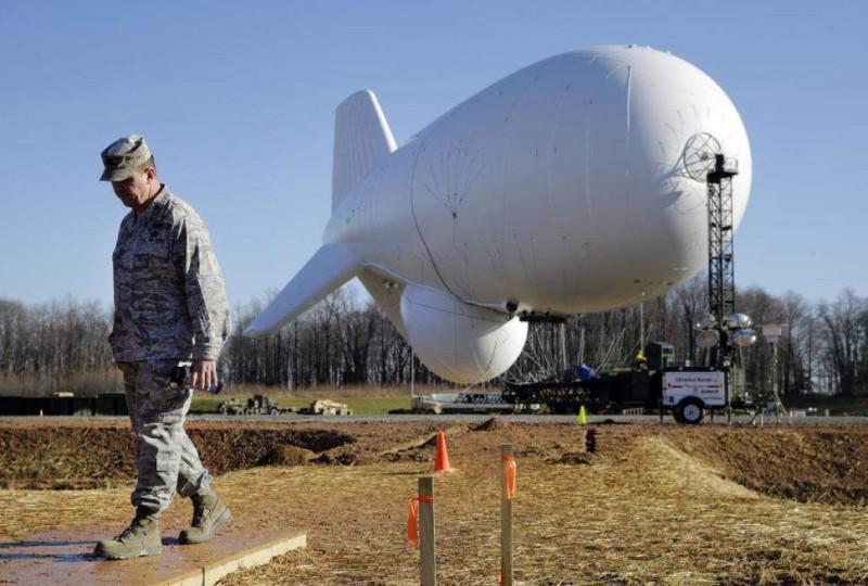 Тупые пиндосы запускают аэростат с системой JLENS.