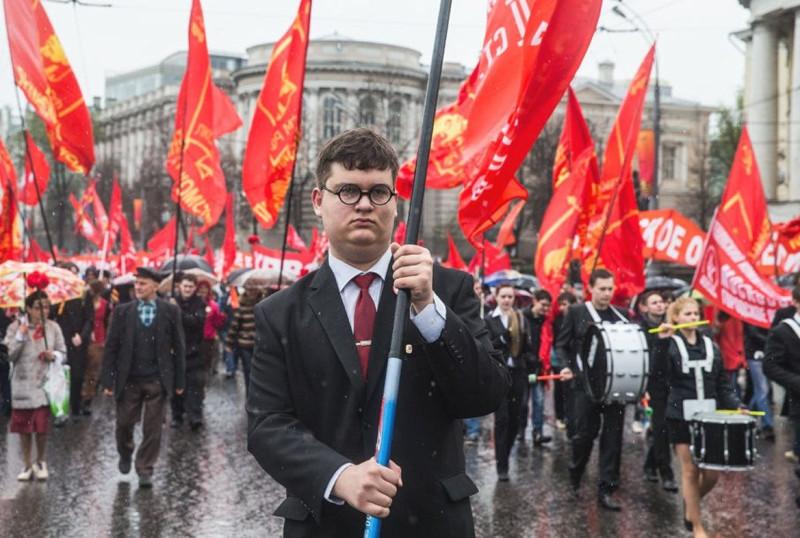 """""""Жертва коммунизма"""". Провокация англичан  - учение марксизма - работает до сих пор."""