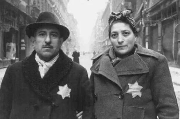 """Гнидоидные многонациональные москвичи в период режима """"самоизоляции"""" по-собянински вышли из дома в магазин за хлебом."""