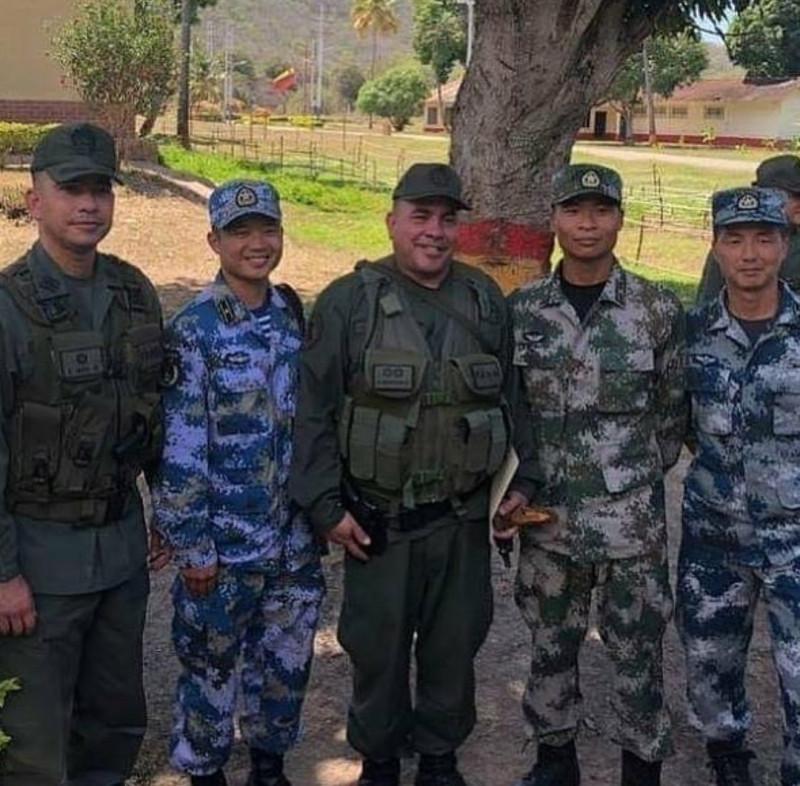 Военные Венесуэлы и Китая налаживают контакты.
