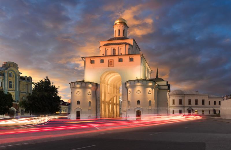 Золотые врата во Владимире. Построены в 1164 году при Андрее Боголюбском.