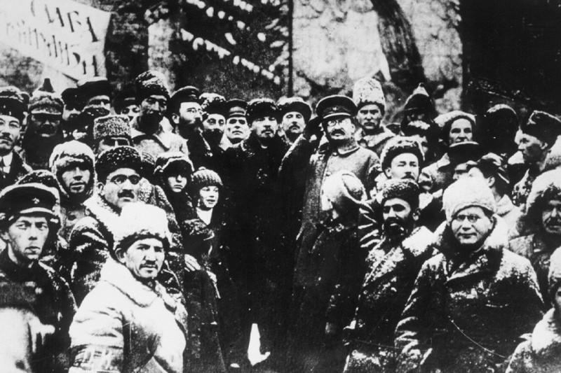 """Большевики. Какие светлые прекрасные лица! И вот эта банда уголовников и дегенератов обещала принести """"счастье всему человечеству"""". И для этого эта жидовско-латышско-армяно-грузино-хохляцкая сволочь из Коммунистического Интернационала во главе с ублюдком Ульяновым, тесно связанная с иностранными спецслужбами, превратила всю Россию в сплошной ад, дурдом и концлагерь."""