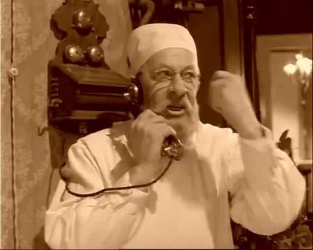 """Профессор Преображенский требует от большевицкого начальства бумагу, которая защитит его от беспредела Швондера и домкома: """"Но только условие: как угодно, что угодно, когда угодно, но чтобы это была такая бумажка, при наличии которой ни Швондер, ни кто-либо другой не мог бы даже подойти к двери моей квартиры. Окончательная бумажка. Фактическая! Настоящая!! Броня!!!"""" Увы, но бесправие населения перед лицом власти - это главная проблема и нынешней РФ, и эта проблема была порождена самой природой московского самодержавия."""