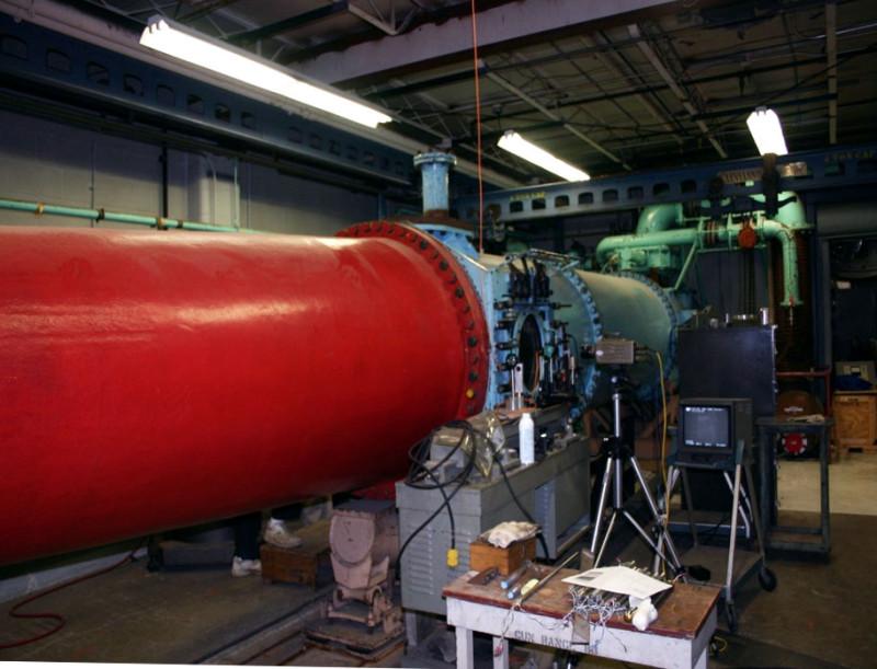 Труба в компании CUBRC. Она поможет тупым пиндосам выйти из трубы и тупика в области разработок гиперзвукового оружия.