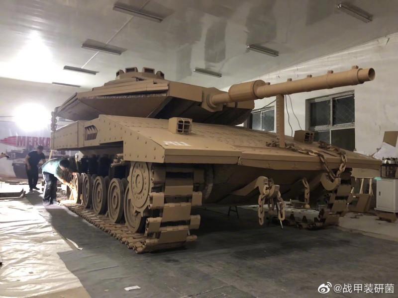 """Сраильский танк """"Меркава"""". Полностью из картона. Сделано в Китае."""