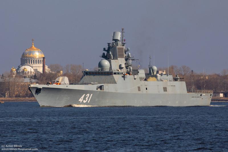 """Фрегат """"Адмирал Касатонов"""" во время ходовых испытаний вблизи Кронштадта."""