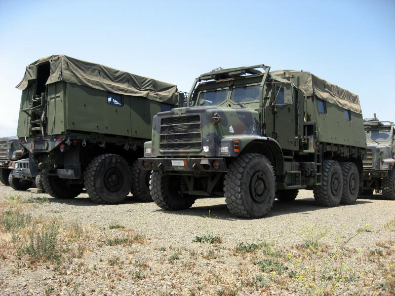 Армейские грузовики тупых пиндосов MTVR.