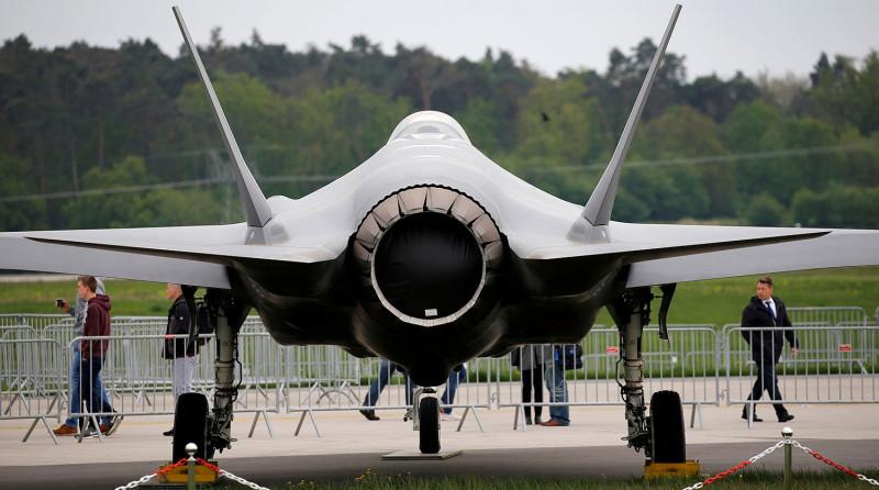 F-35 - это просто большая задница, а не самолет.