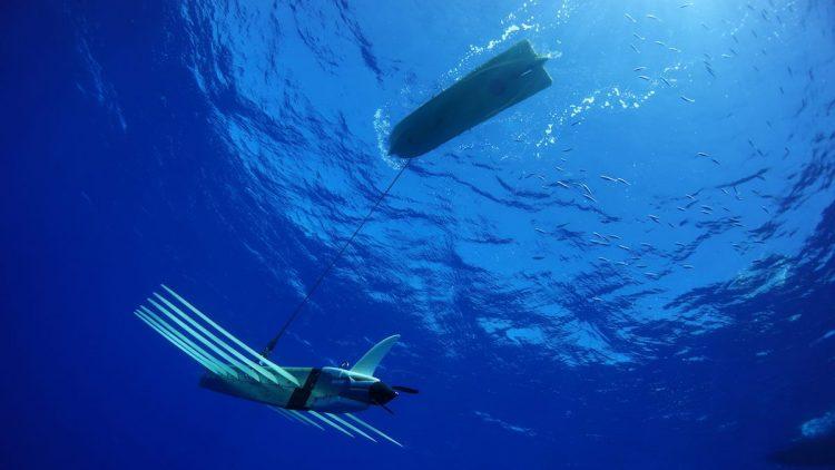"""Очередное """"достижение"""" заокеанских придурков - плавающий автономный аппарат с привязанной под водой гидроакустической станцией."""