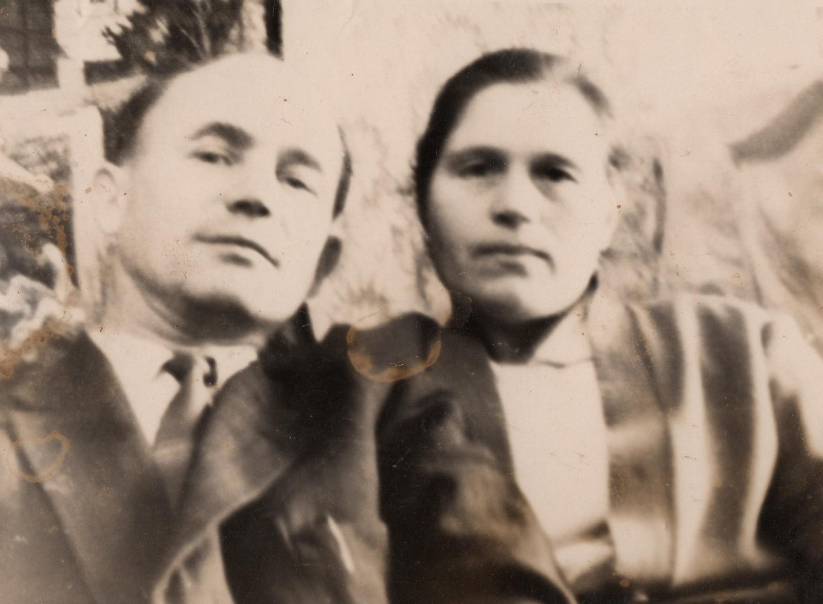 04 Дед и Баба молодые_портрет_copy_2581x1894.jpg