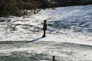 sea-coast-water-nature-ocean-cold-winter-sunshine-shore-wave-skate-frost-river-ice-paddle-child-frozen-boating-mood-water-sport-lahn-wind-wave-surfin…