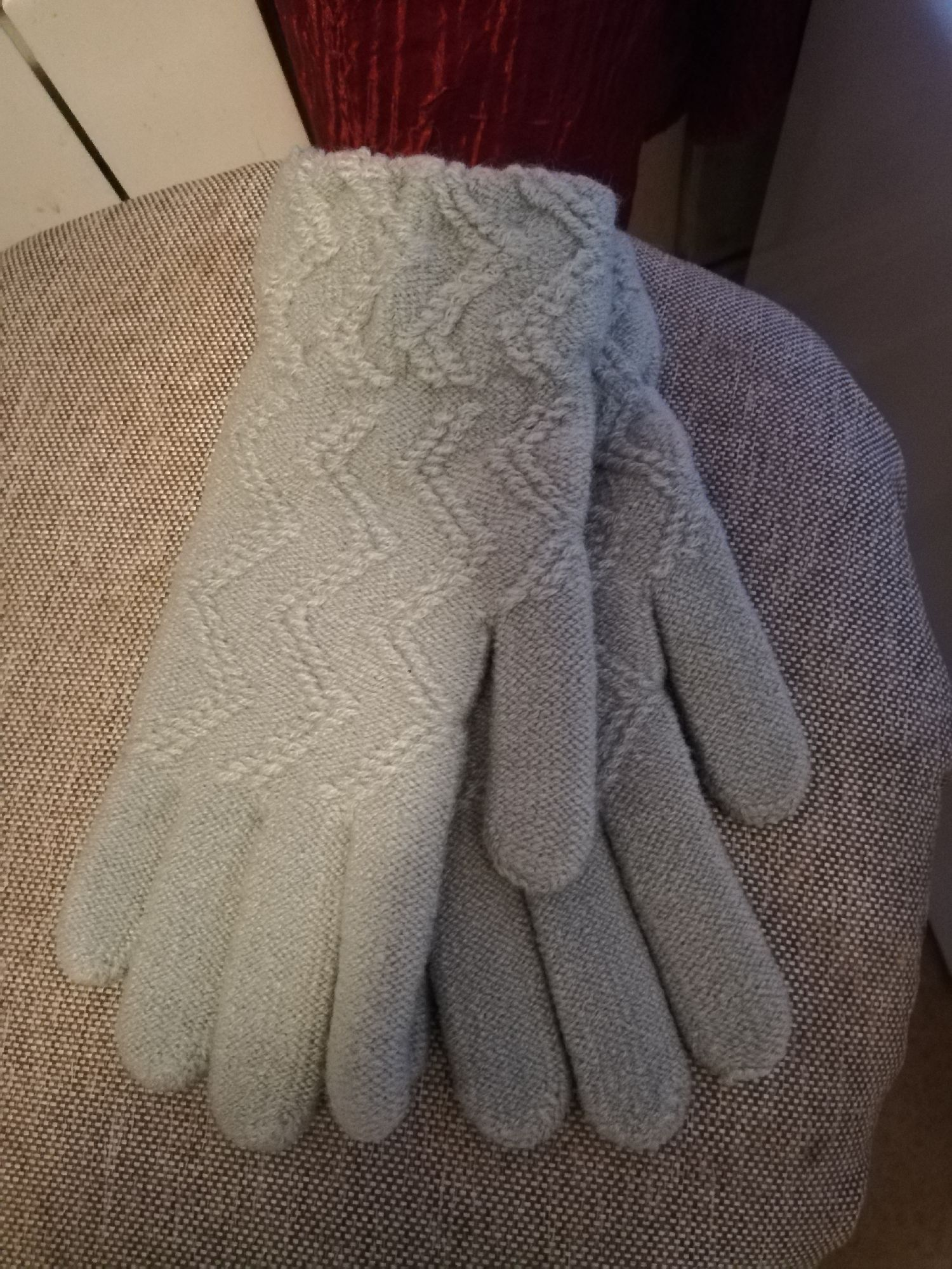 Пара перчаток