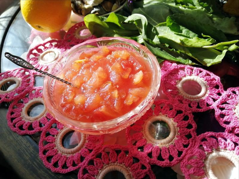 Солнечное тепло, волшебные летние денёчки можно законсервировать в виде яблочно-лимонного варенья.)) Рецепт мой - всё на глазок.))