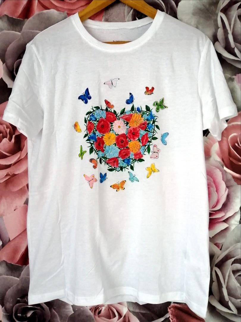В наших сердцах распускаются цветы и вылетают бабочками, когда сердце поёт от счастья!