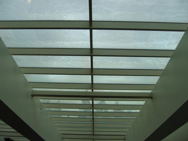 Ceiling 37
