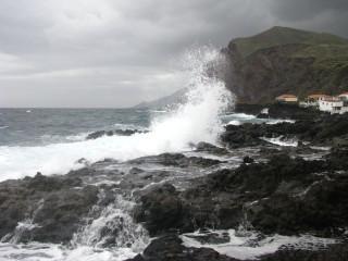 Море волнуется раз!