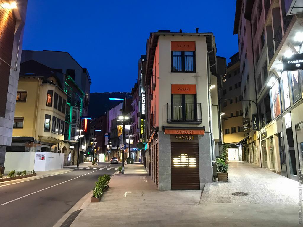Чем заняться в Андорре летом? примерно, можно, Барселоны, всего, здесь, Андорра, более, расположены, чтото, Андорры, Здесь, столица, прочее, почти, приехал, пассажиров, города, слову, которых, Тулузу