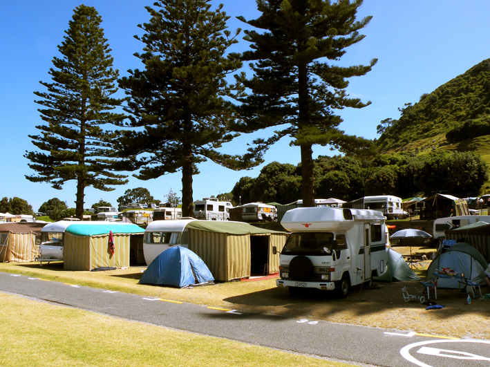 Туристический лагерь у подножия Mt Manganui
