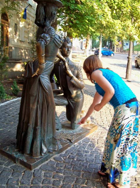 Памятник Голохвастову и Проне