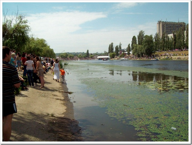 Киев.1 Red Bull Flugtag--Берег Русановского канала