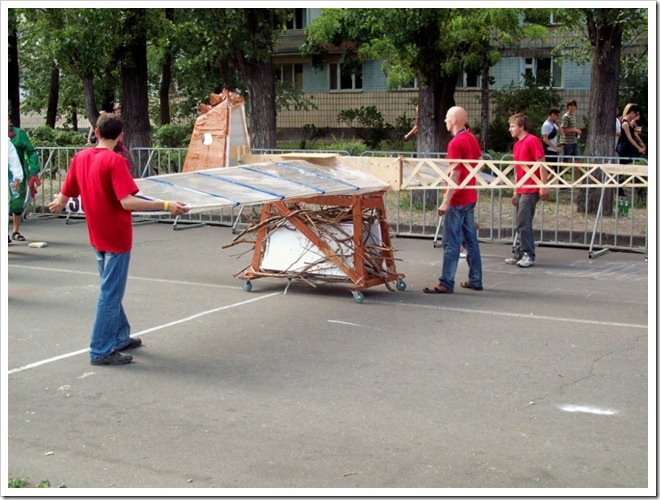 Киев.1 Red Bull Flugtag--Участники на аэродроме
