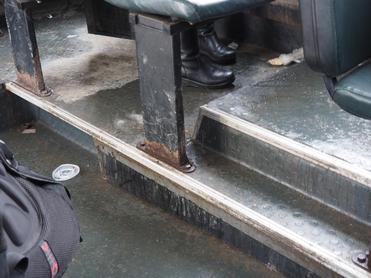 Ржавое ведро на колесах