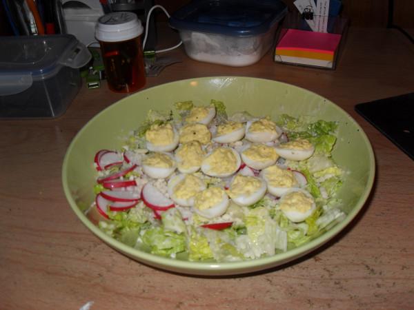 салат с перепелиными яйцами 001