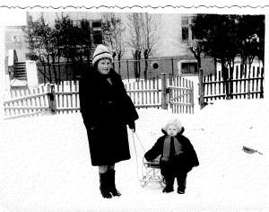 фото с мамой 1966_cr.jpg